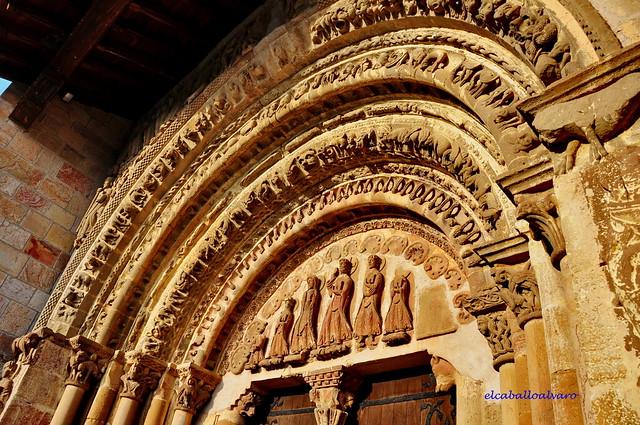 474 - Tímpano - Monasterio San Salvador de Leyre (Navarra) - Spain.