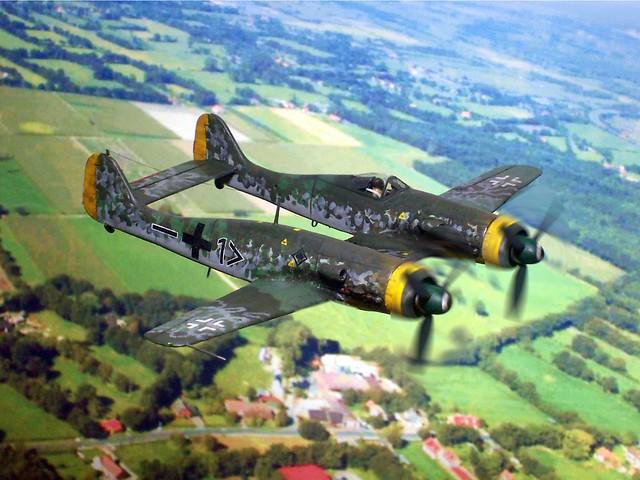"""1:72 Focke Wulf Fw 190 Z-17, aircraft """"<1+–"""" of Stab II./JG 53, personal mount of Leutnant Werner von Giesen; Deutsche Luftwaffe; Kaufbeuren, early 1946"""