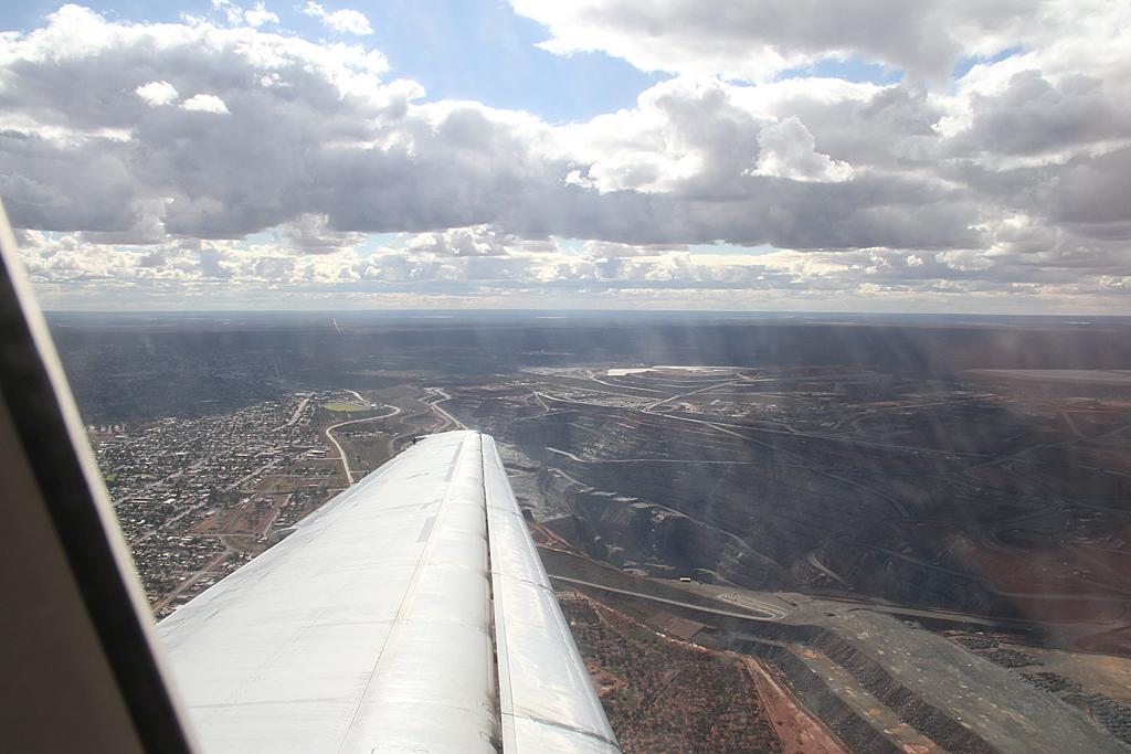 Qantaslink717-23S-VH-NXE-66