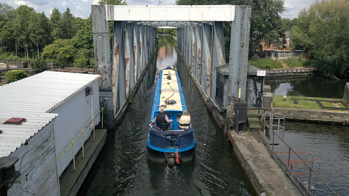 Barton Swing Aqueduct - Carries the Bridgewater Canal across the Manchester Ship Canal   by ZXSpecchum
