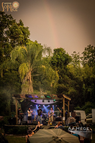 trees sunset summer people music nature festival musicians canon fun prime orlando rainbow community day audience florida stage group review band event talent article perform goldenhour summersolstice 2015 60d furtographer newsource ajhegephotography ajhégephotography bambooartscelebrationcenter