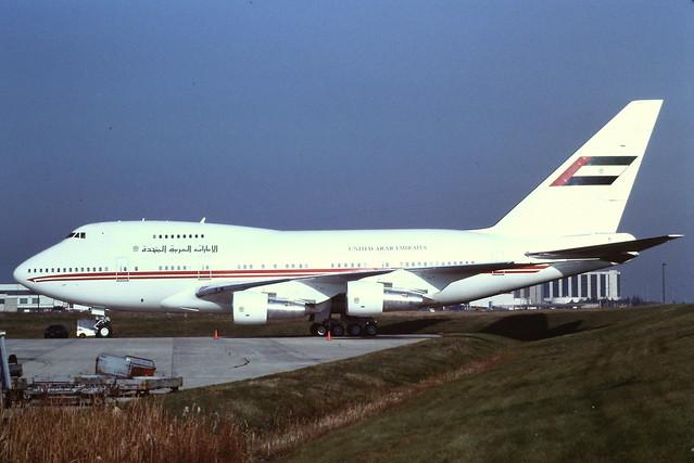 A6-SMR Boeing 747SP-31 21961 YYZ 1996