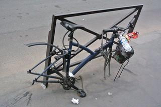 Paris Velo poubelles Vandalisme