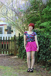 Floral Crop Top, Pink Shorts, Flower Hair Pin, & Black Wedges | by petitepanoply
