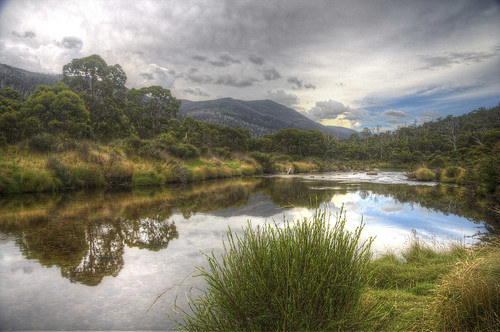 reflection water grass clouds canon river bush cloudy overcast australia efs1785mmf456isusm thredbo thredboriver canon40d