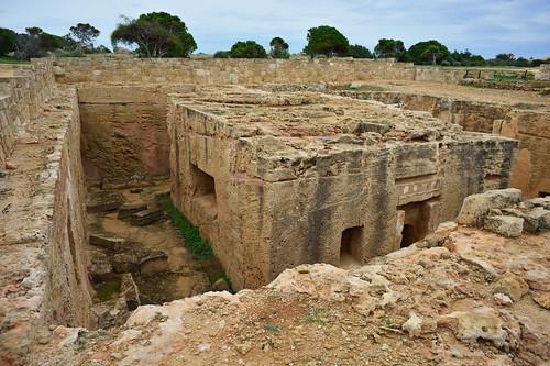 cemetery cyprus tombs tombsofthekings westerncoast rockcuttombs archaia tomb8 monumentalcomplex paphosregion familytombcomplex primarytomb