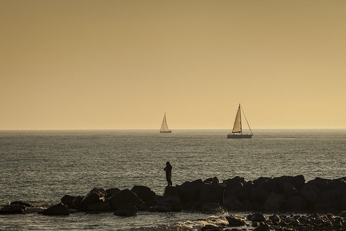 sunset sea sailboat canon golden fisherman 70200 2013 adrianosanphoto