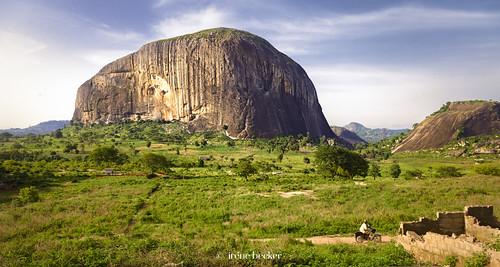 africa landscape westafrica nigeria monolith blackafrica arewa northernnigeria federalcapitalterritory gatewaytoabuja nigerianimages nigerianphotos imagesofnigeria northnigeria irenebeckereu