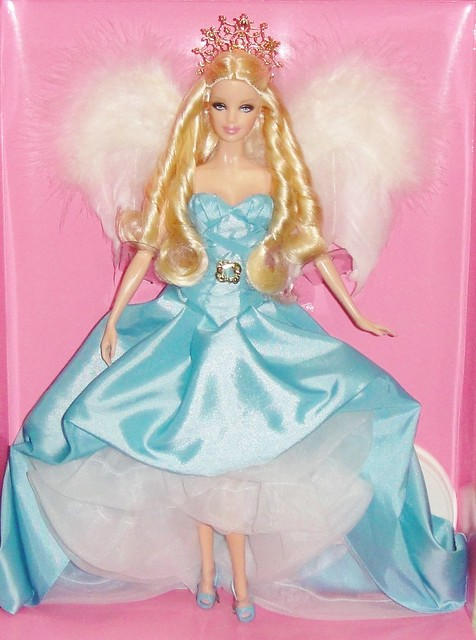 2010 Couture Angel Barbie (2)