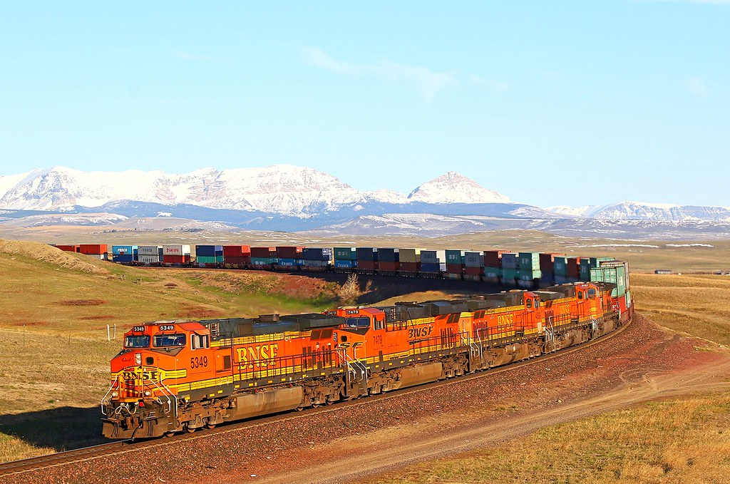 BNSF 5349 7479 4689 5130 5197 West of Browning on Sunday 17-04-2016 by Charlie Harris