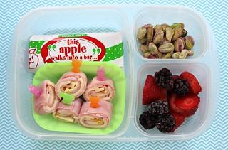 EasyLunchboxes Kindergarten Lunch - deli roll-ups, etc.