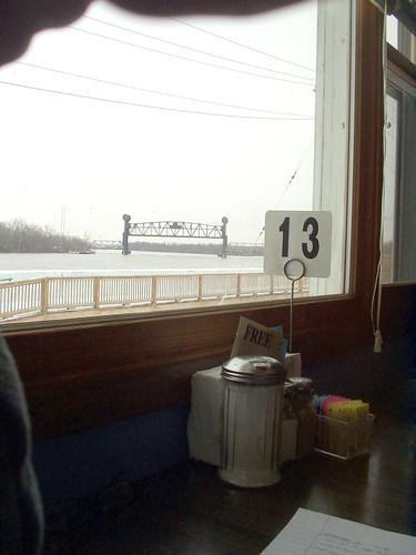 illinois drawbridge illinoisriver beardstown riverviewrestaurant