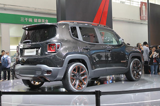 Jeep-Renegade-@-Beijing-2014-02