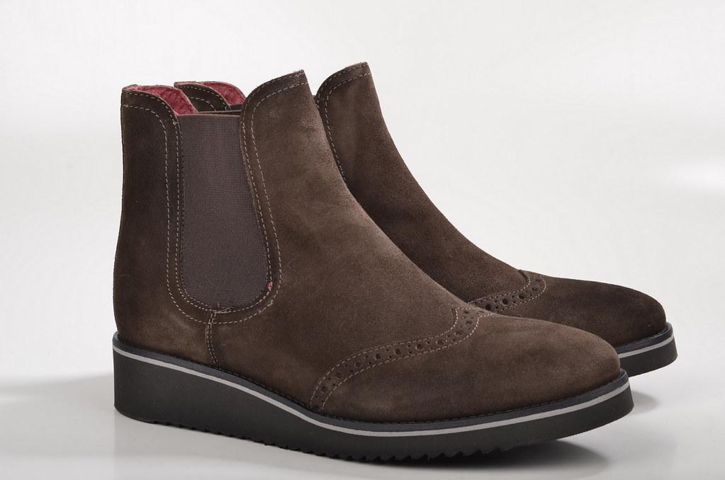 John Baker's Chelsea-Boot Brogue 8663W Veloursleder braun (1)