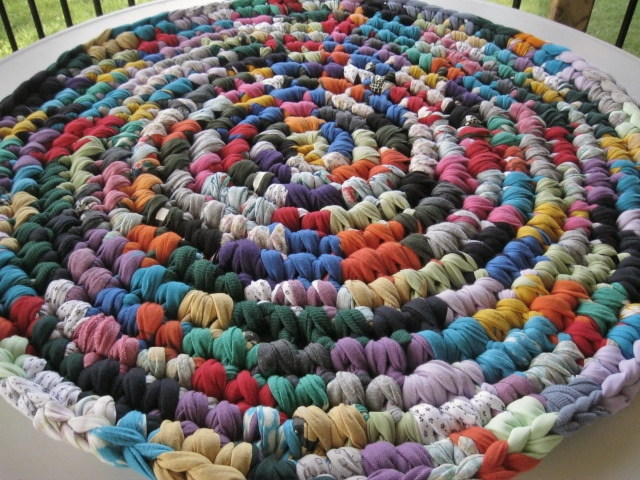 A Crochet Rag Rug Of Many Colors From Recycled Fabrics Flickr