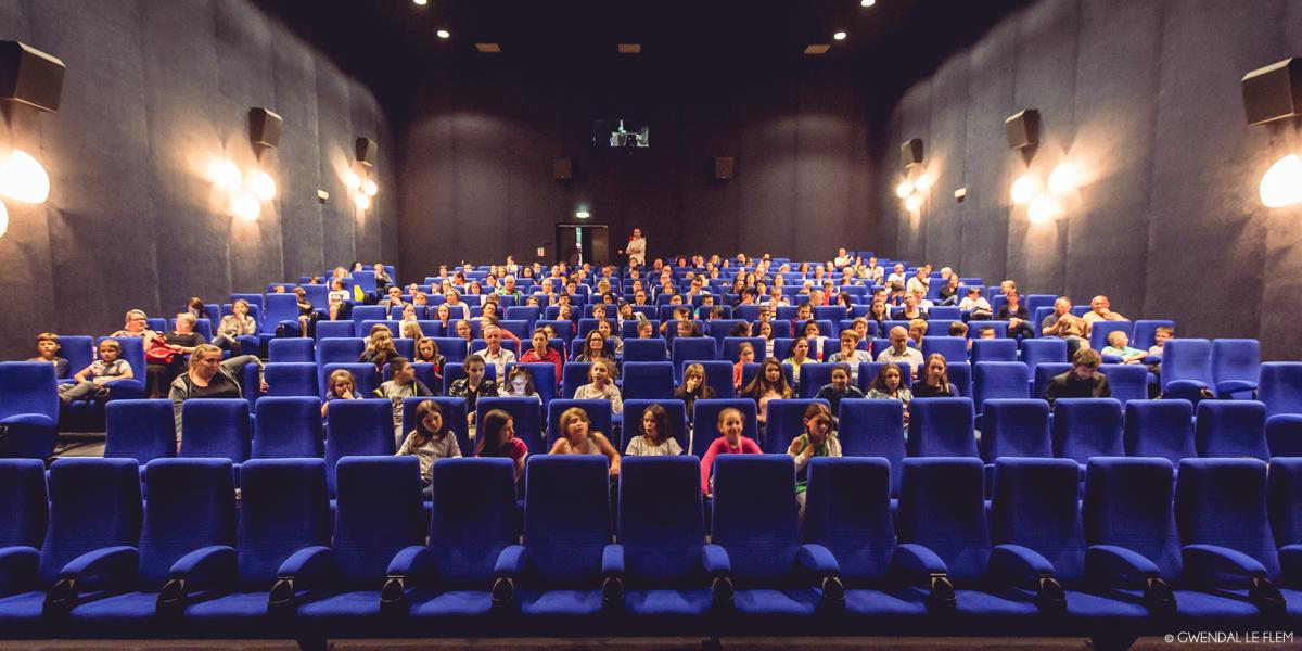 Projection des Machinimas - Résidence d'artiste avec Isabelle Arvers - Restitution du 10 juin au cinéma Le Club à Fougères
