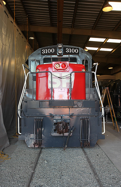 Southern Pacific U25B #3100 -- 4 Photos
