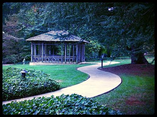 architecture garden landscape nc rustic frame shelter vignette wakeforest wealth publicgarden reynolda rjreynolds