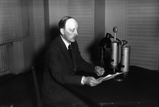 Prime Minister Risto Ryti speaking on the radio 18.8.1940.