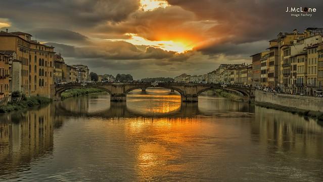 Firenze under lights.