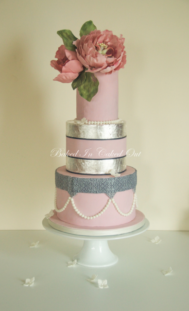 Silver leaf and Pearls cake
