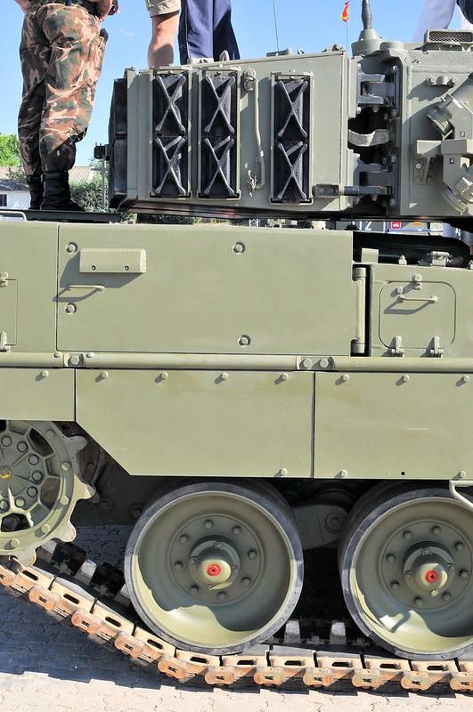 Leopard 2E (2)