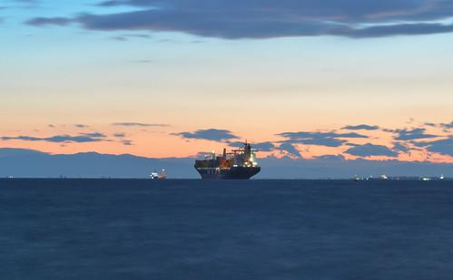 sunset sea port boat ship greece thessaloniki containers θεσσαλονικη