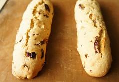 Biscotti with Korean Jujube and Pistachio 22