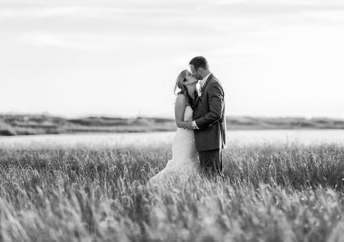 wedding blackandwhite beach kiss holdenbeach