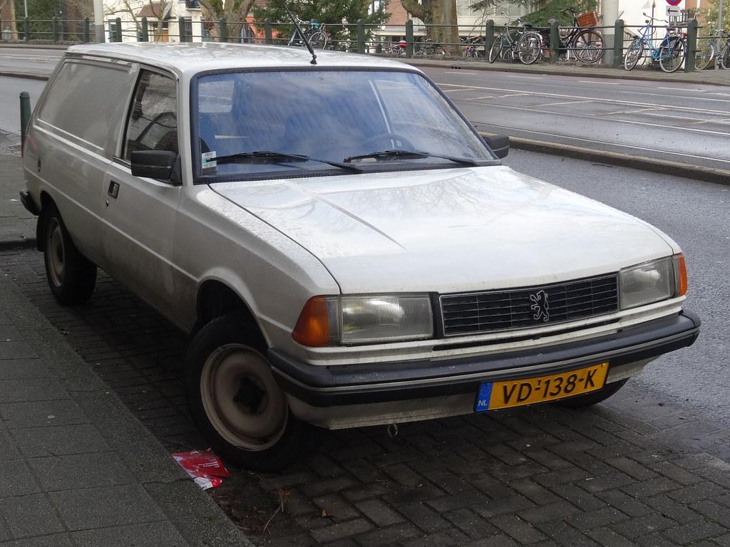 1986 Peugeot 305 Van Peugeot Built The 305 Between 1977 An Flickr