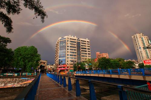 sunset rain canon landscape rainbow cityscape cloudy taiwan taichung rays 台灣 城市 hy bai crepuscular 台中 anticrepuscular 向上北路 霞光 霓虹 風景攝影 忠明南路 彩紅 fave50 5d2 反雲隙光 hybai