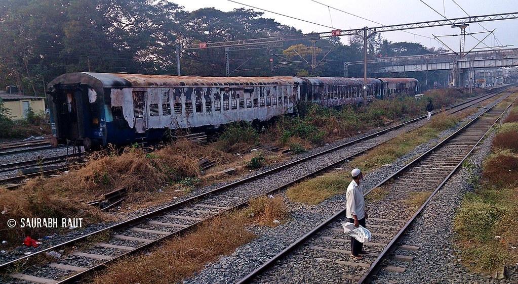 The 3 Burnt Coaches Of 19019 Dehradun Express Lying At Dah…