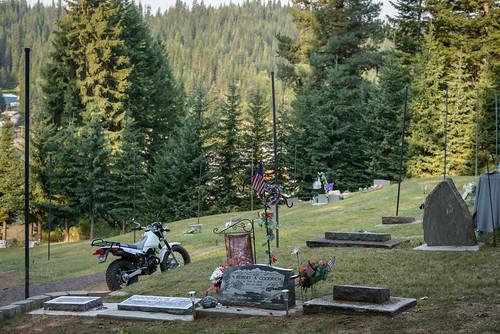cemetery flag idaho gravestone motorcycle pierce yamahatw200