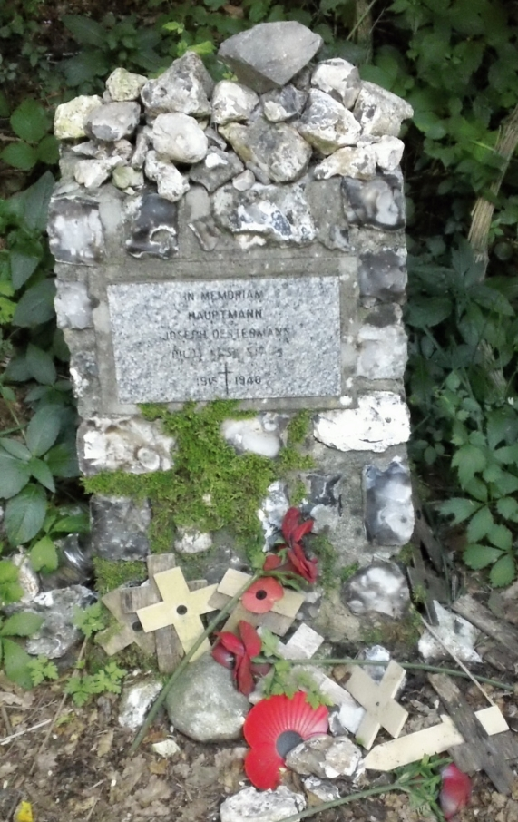 Fallen Battle of Britain flier AIRMAN'S CRASHSITE TRIBUTE ON SOUTH DOWNS WAY Hauptmann......