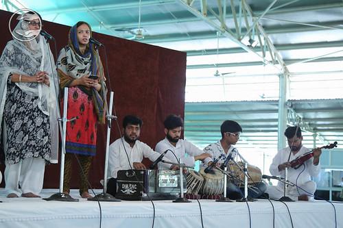 Devotional song by Harmeet Karu from Jharoda