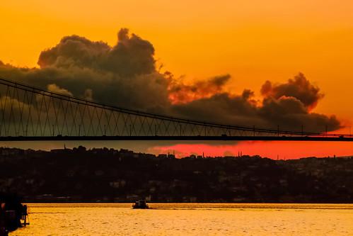 sunrise bridge sea cloud saariysqualitypictures 300faves