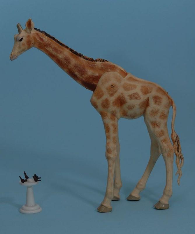 Brands that make 1:30 - 1:35 scale giraffe, elephant or rhinoceros? 11910729253_43a2e97546_c