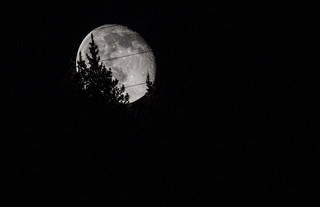 Moon 24th april arrasate