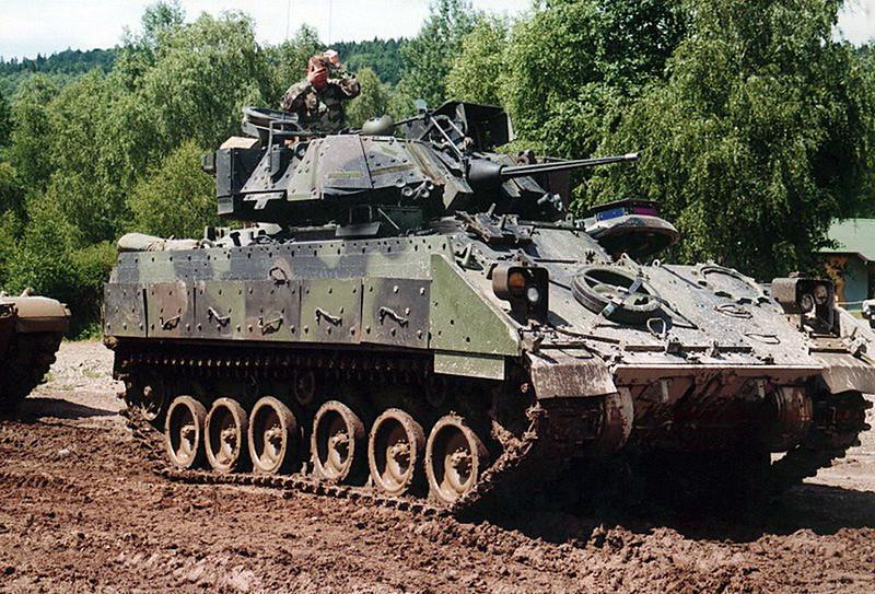 M3A2 Bradley (4)