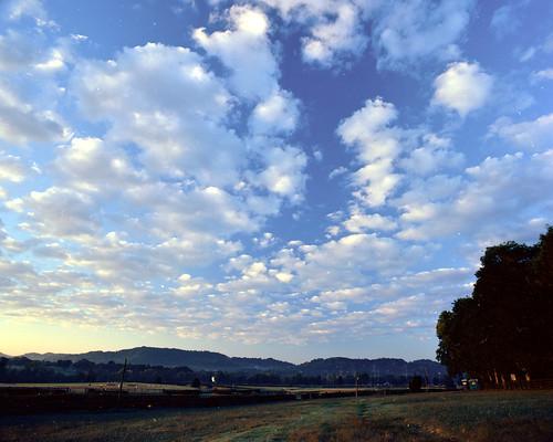 clouds day pentax cloudy 6x7 kodakektar100 smc6745mm40