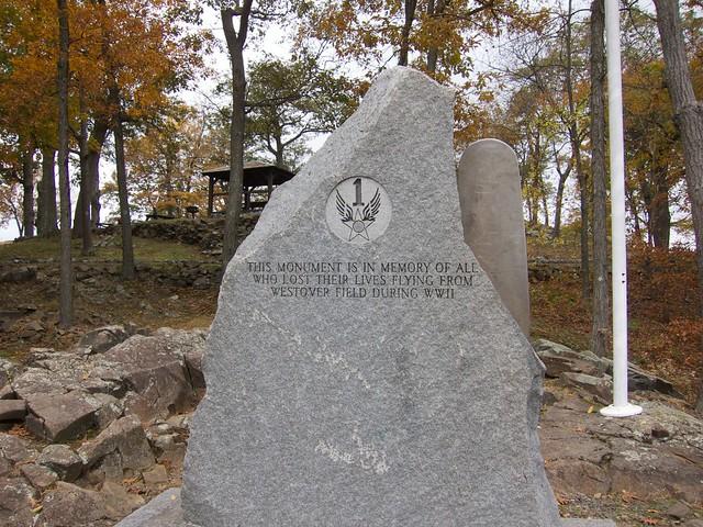 1:51:14 (77%): hiking massachusetts mtholyoke holyokerange metacometmonadnocktrail
