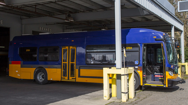 King County Metro New Flyer Xcelsior hybrid XDE35