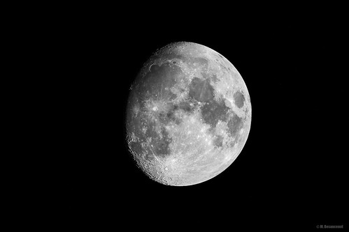 87% of moon   by M4rcrp