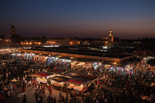 https://www.twin-loc.fr  Place Jemaa el-Fna - Marrakech - Morocco - Maroc - Maroko - Μαρόκο - Fas - Marruecos - Marokko - Марокко - Night - Nuit - Photo Image Photography www.supercar-roadtrip.fr | by www.twin-loc.fr