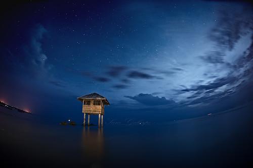 flickrandroidapp:filter=none nightskynightscapebluehourblueseaphilippineislandphilippinessoutheastasia nightphotographyhutreflectionswaterscapewaterflection