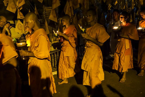 Night-time candle-lit ceremony at Wat Phan Tao on Visakha Bucha Day 2014 21 | by John Shedrick