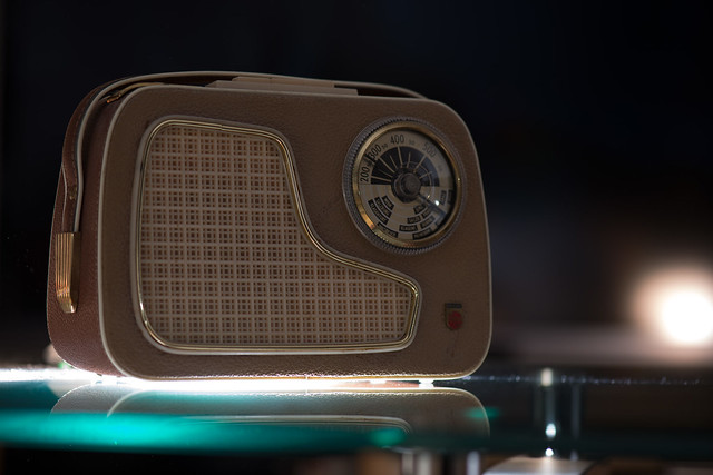 old philips® transistor radio