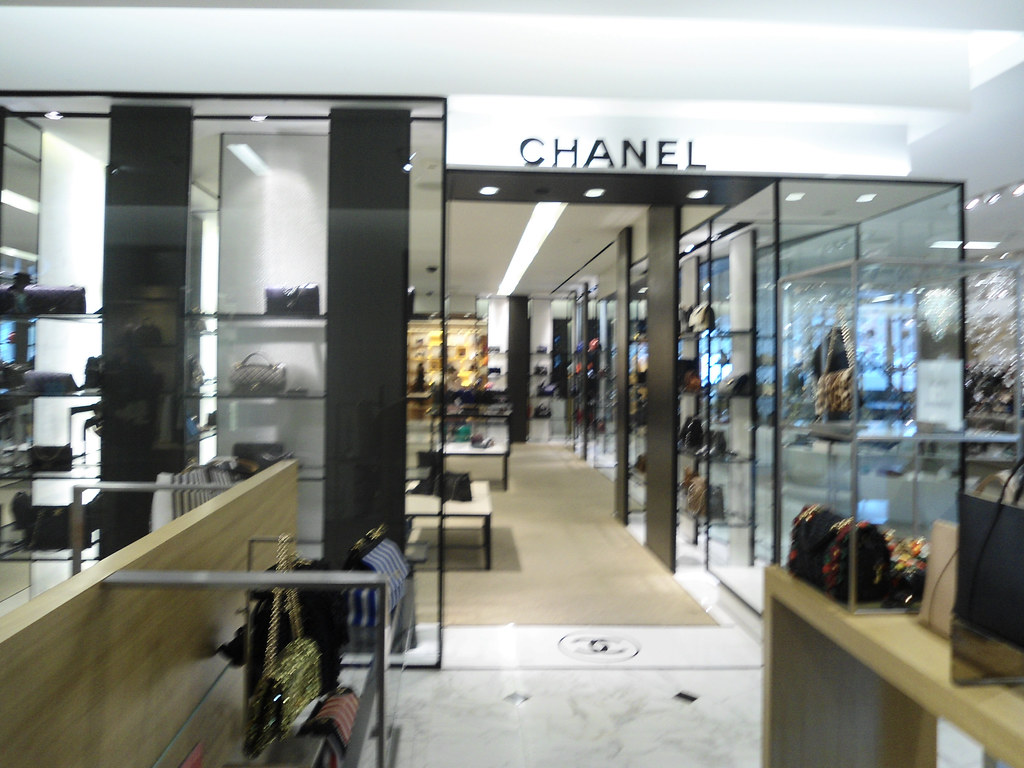cc267911af5f ... Saks Fifth Avenue Chanel Boutique Beverly Hills CA | by PatricksMercy