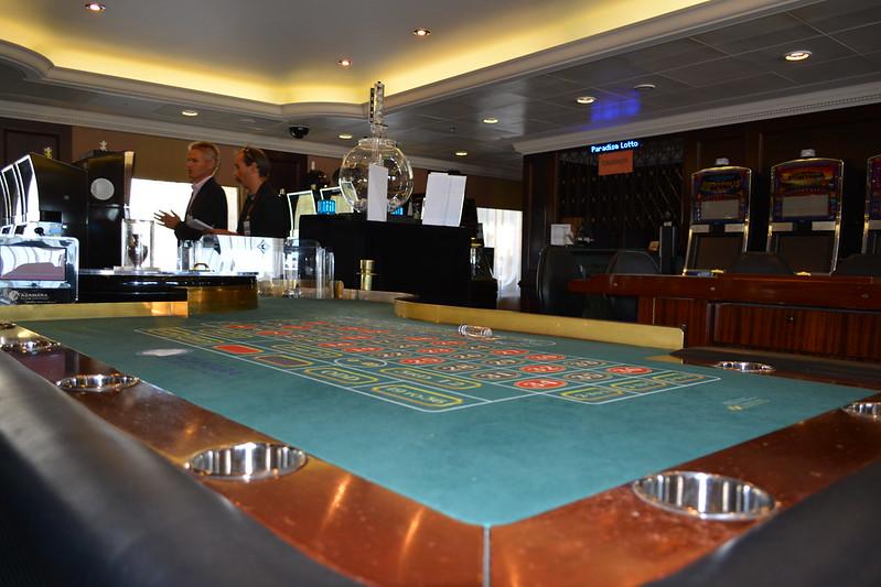 Casino Luxe (Pont 5) - Visite de l'AZAMARA QUEST - Cérémonie de bienvenue - 20 aout 2013