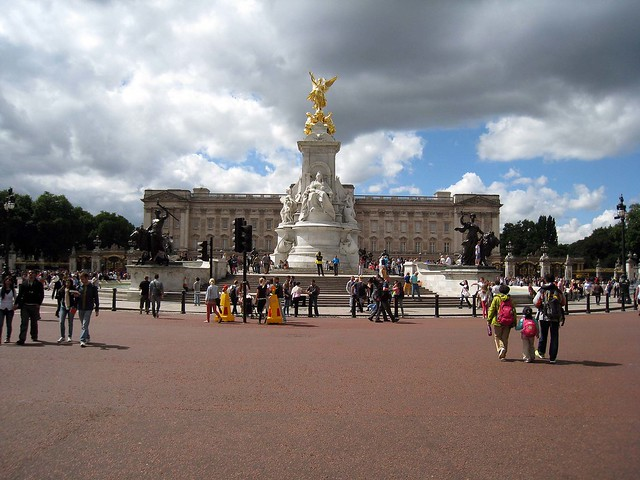 Buckingham Palace/Mansion on the Hill